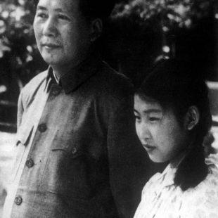 1949年夏毛主席和女儿李敏在香山